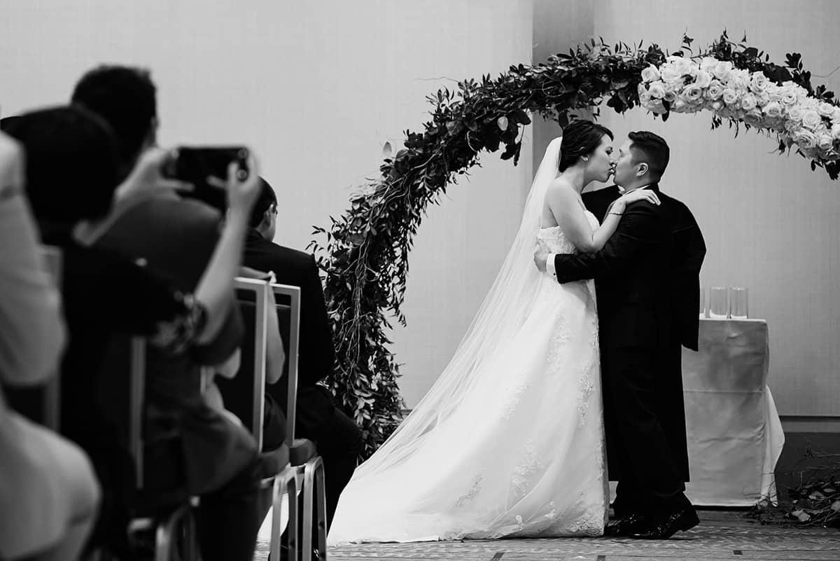 Natalie-Ryu-Renaissance-Hotel-Wedding-Photography-Nicole-Chan-Photography-428