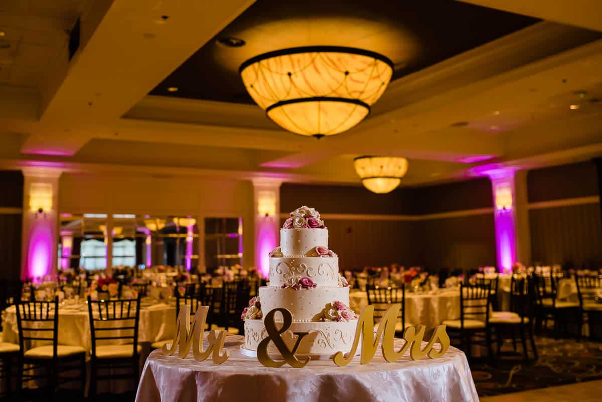 jenny-allen-four-points-by-sheraton-norwood-wedding-photographer-nicole-chan-photography-021