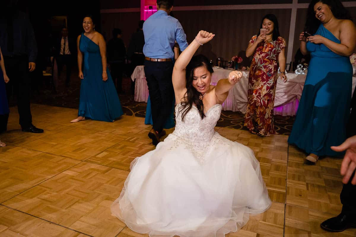 jenny-allen-four-points-by-sheraton-norwood-wedding-photographer-nicole-chan-photography-028