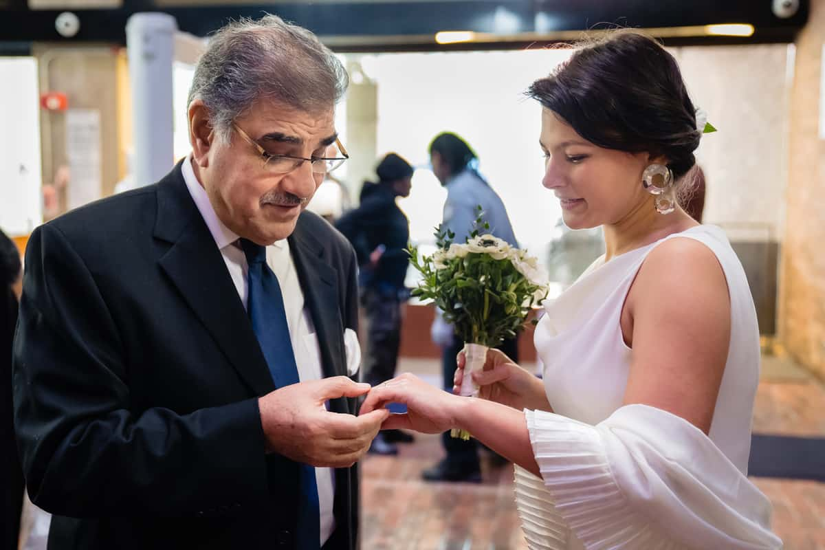 Pareesa-Jamie-City-Hall-boston-wedding-photographer-Nicole-Chan-Photography-16