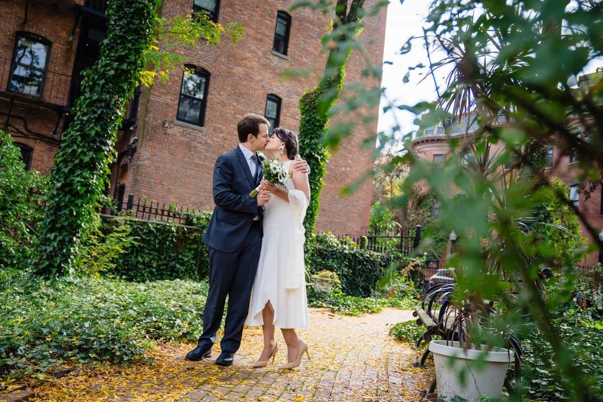 Pareesa-Jamie-City-Hall-boston-wedding-photographer-Nicole-Chan-Photography-7