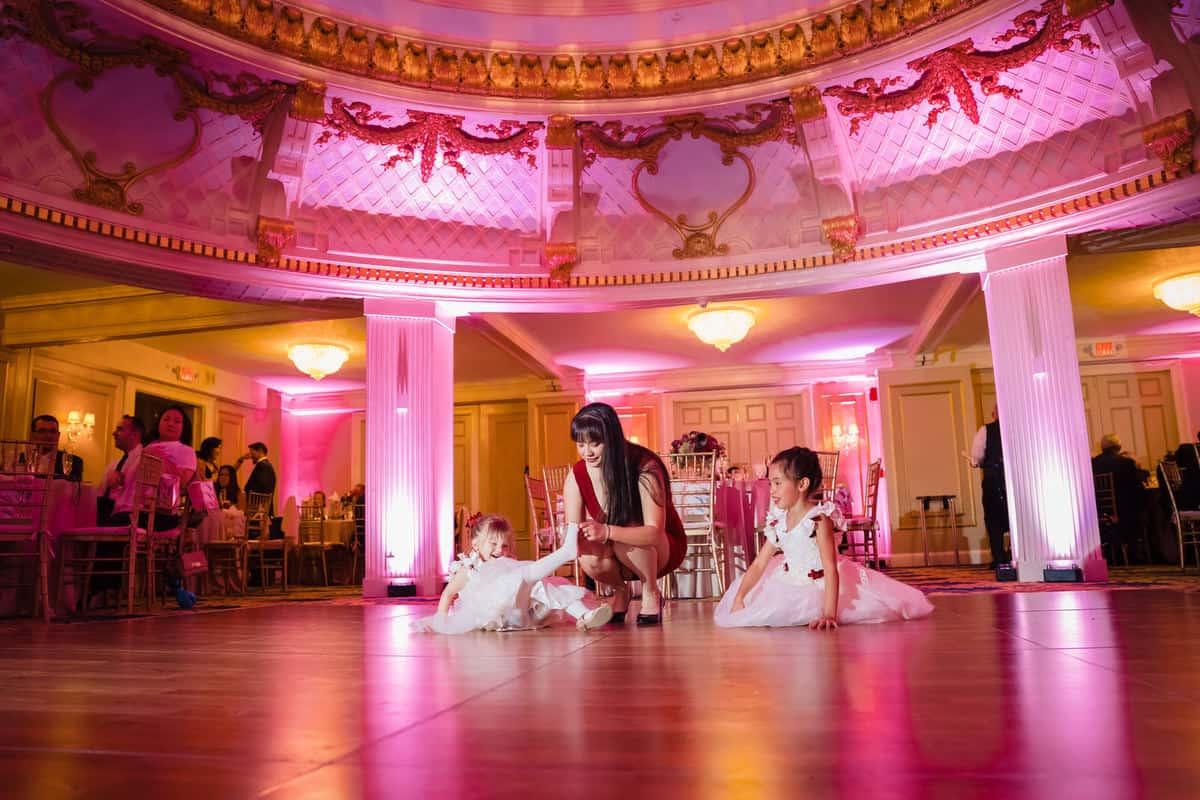 nikki-tim-boston-lenox-hotel-wedding-boston-wedding-photographer-nicole-chan-photography-0034