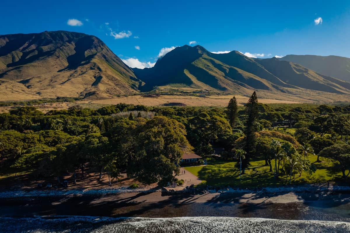 Ashely-Jonathan-Olowalu-Plantation-House-Maui-Wedding-Maui-Hawaii-Destination-Wedding-Photographer-Nicole-Chan-Photography005