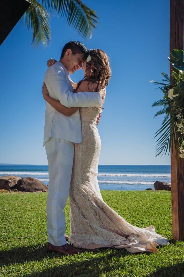 Ashely-Jonathan-Olowalu-Plantation-House-Maui-Wedding-Maui-Hawaii-Destination-Wedding-Photographer-Nicole-Chan-Photography022